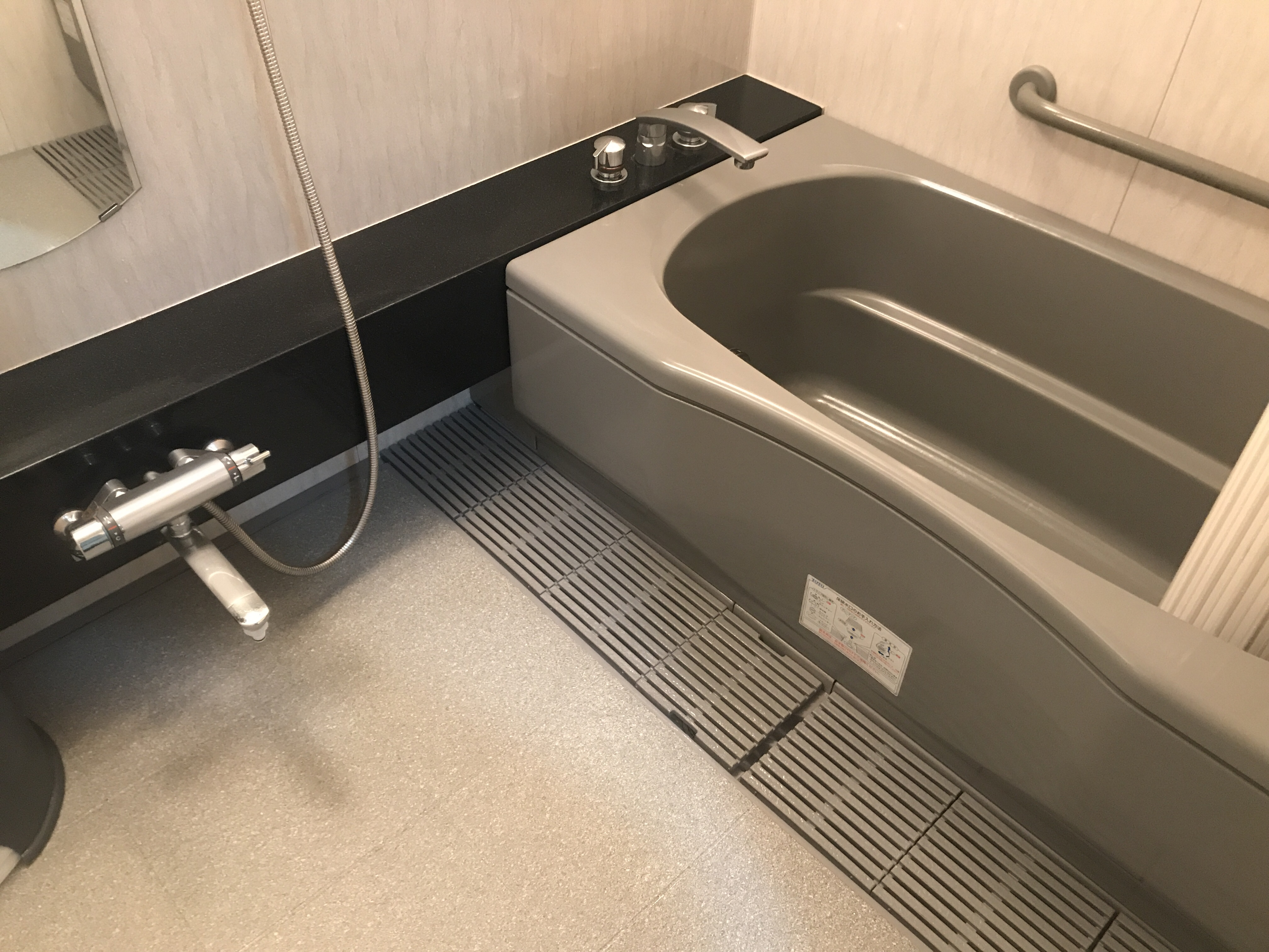福岡市で浴室クリーニング